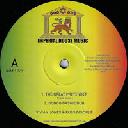 "Guerilljah - Eu Longfingah - R Esistence in Dub The Longfingah Attack X Reggae Hit 12"" rv-12p-02924"